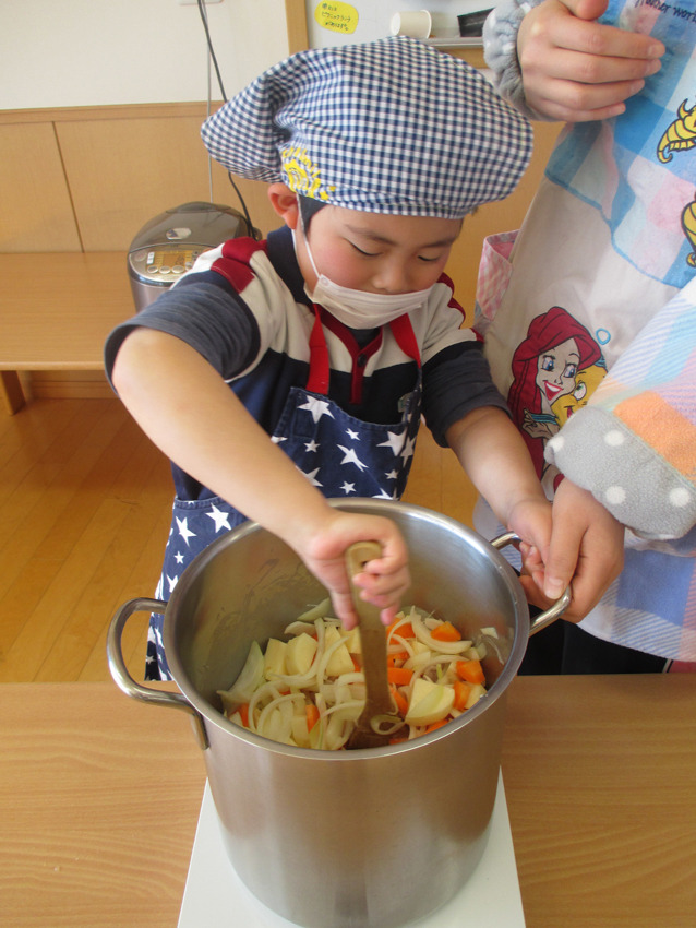 カレー作り 5歳児