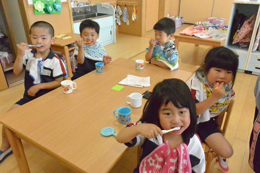 歯磨き指導 (3~5歳児)
